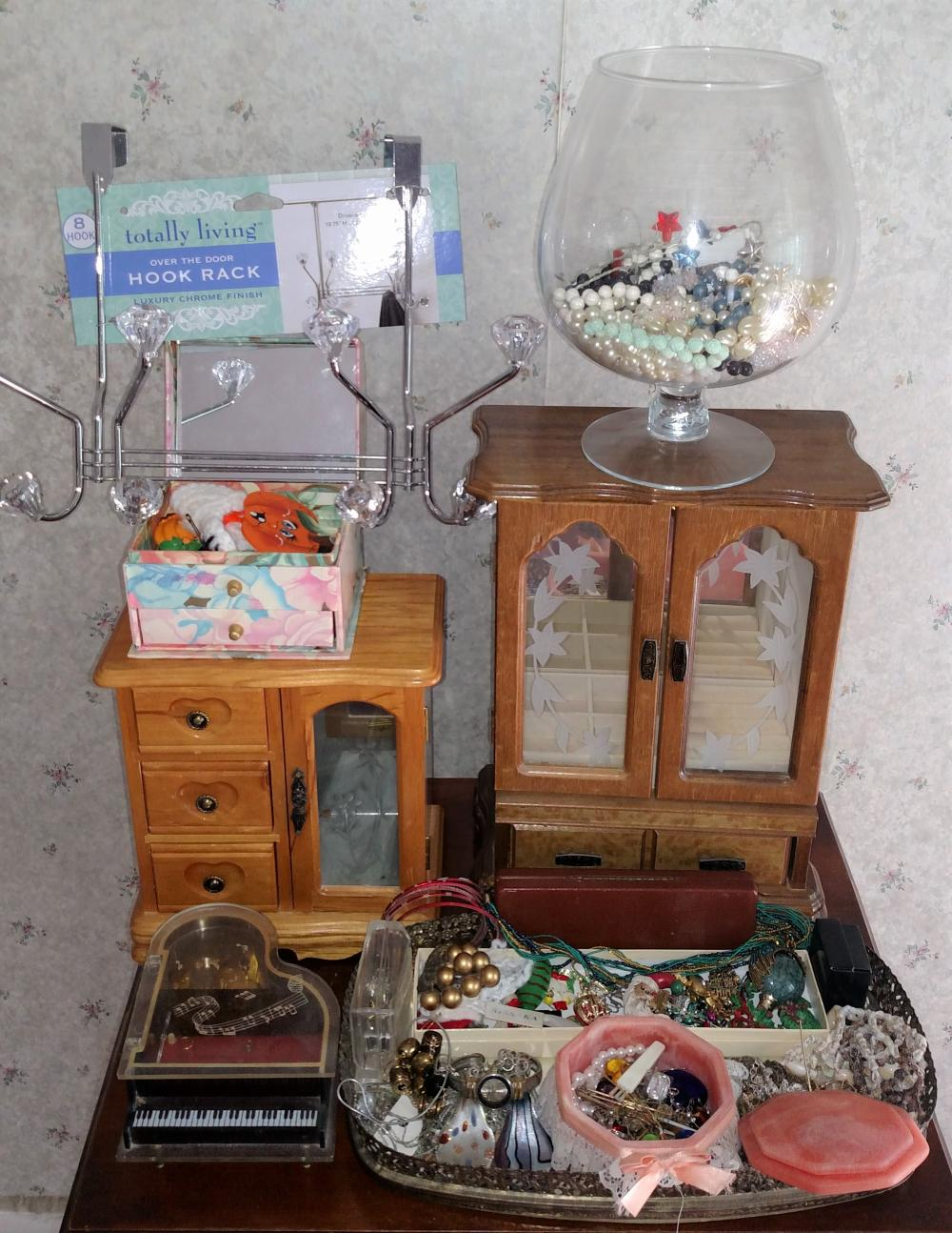 jewelry joblot-- assorted costume jewelry and jewelry boxes