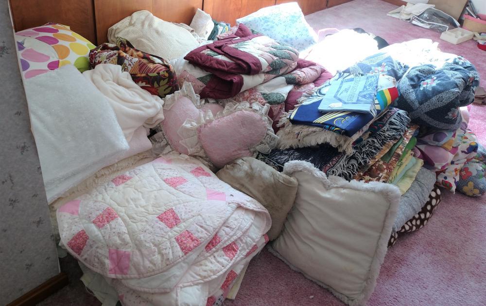 large bedding joblot-- comforters, pillows, blankets