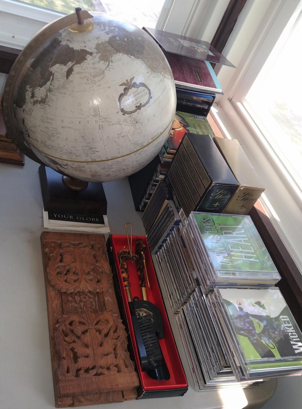 globe, assorted cds