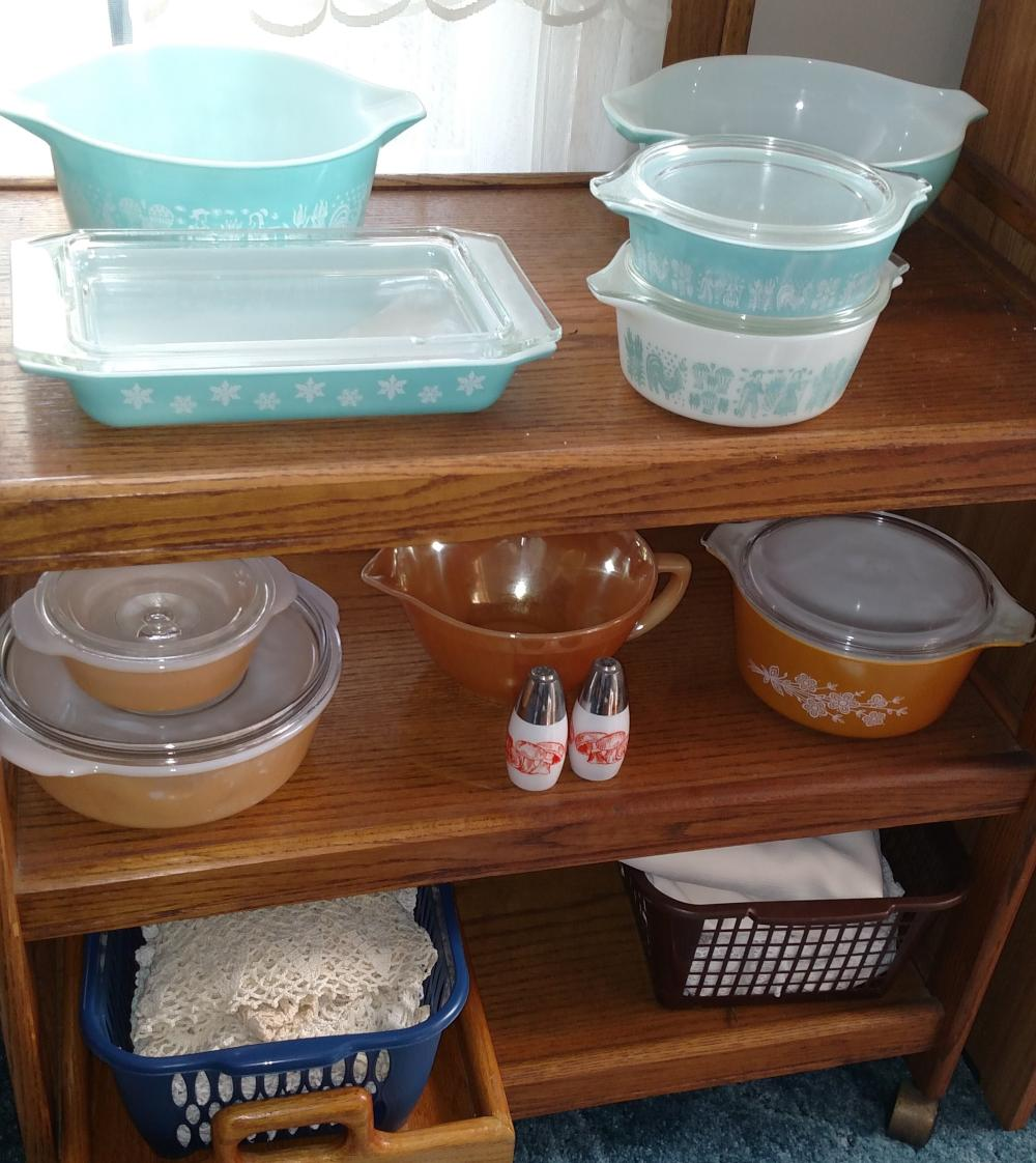 pyrex fridge dishes ( some flakes on lids) , fireking batter bowl, fancy work-- contents only
