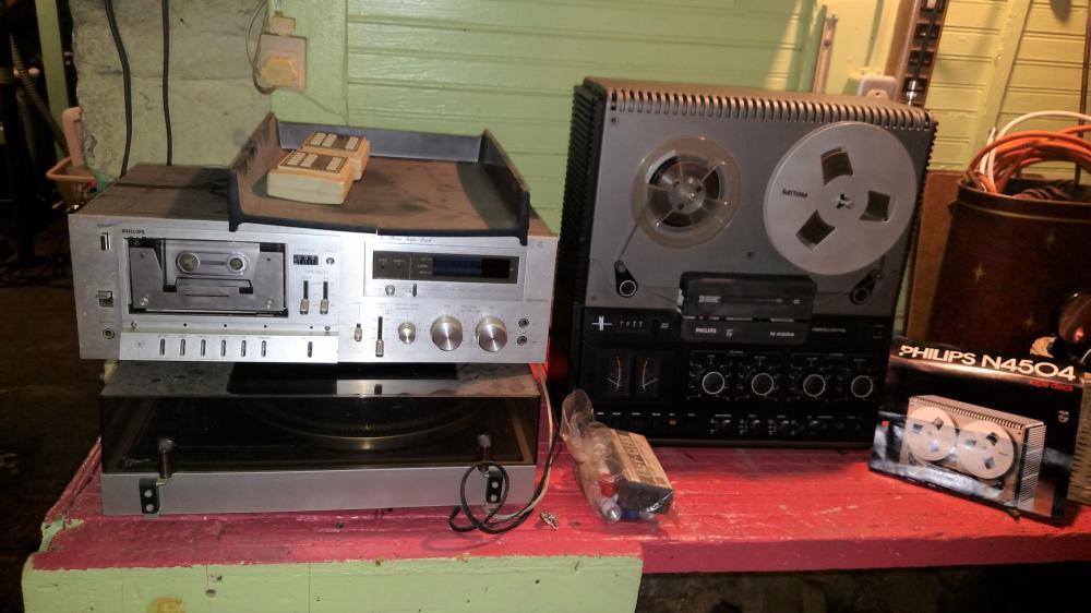 phillips N4504 tape deck, turn table, hi fi stereo tape deck