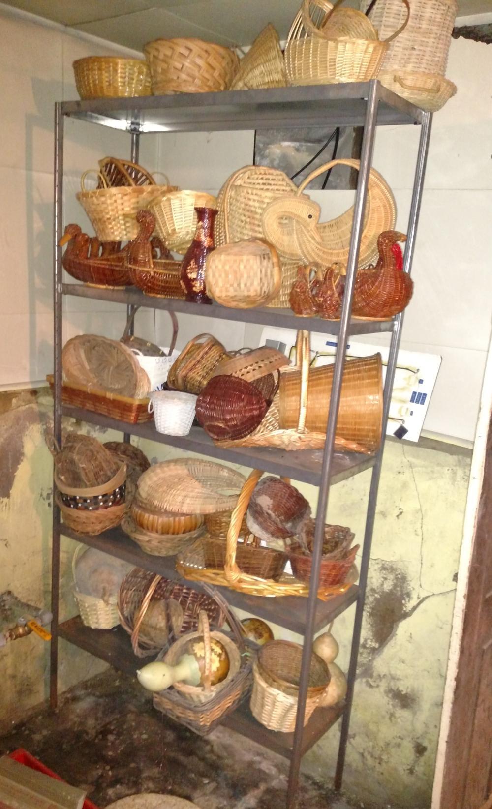basket joblot with metal shelf