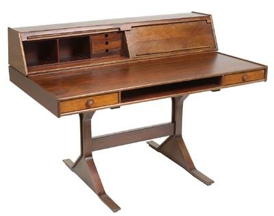 A desk, Model 530