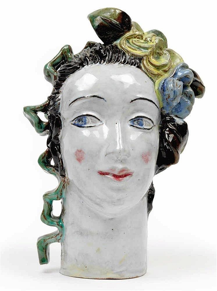 Lotte Calm (born in 1897), A girl's head with a flower in her hair,