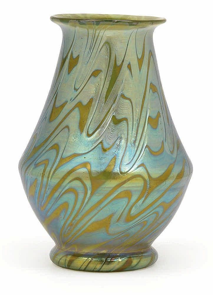 A Lötz Witwe vase,