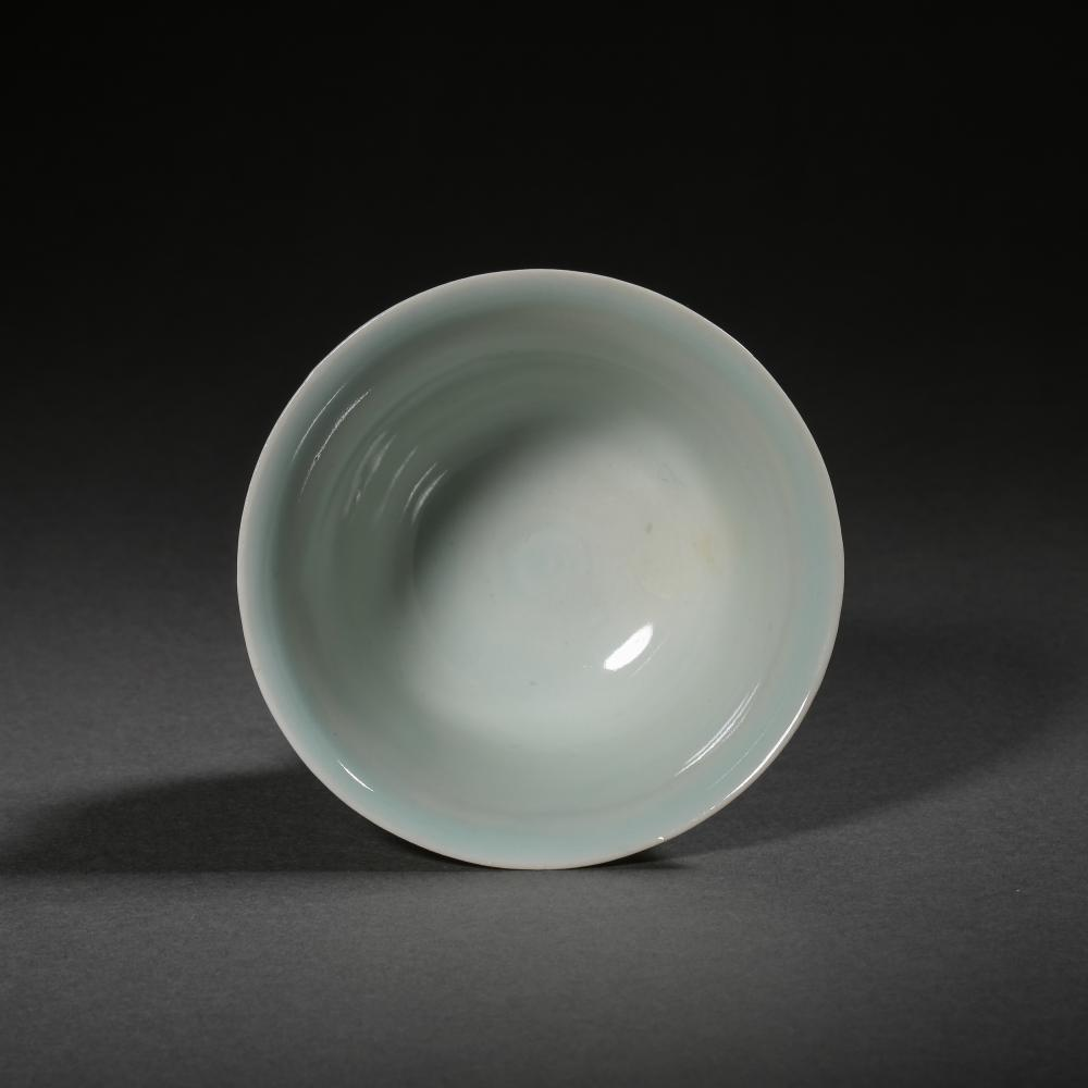 12TH CENTURY, YUAN DYNASTY, CHINESE SKY CELADON GLAZED STEM CUP