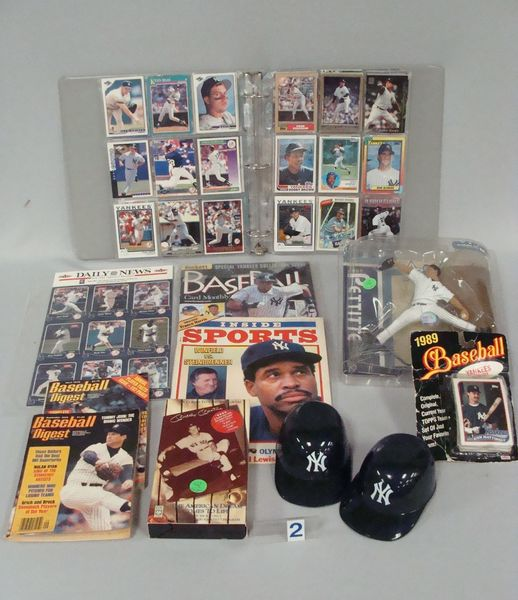 N.Y. YANKEES LOT: ALBUM WITH OVER (170) YANKEES