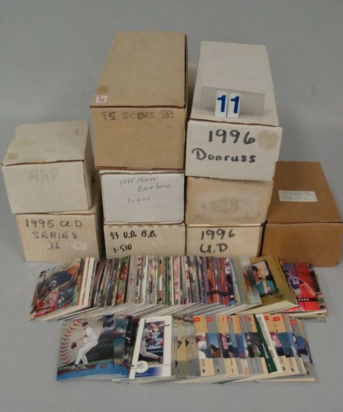 BOX WITH SELECTION OF SETS (COMPLETE