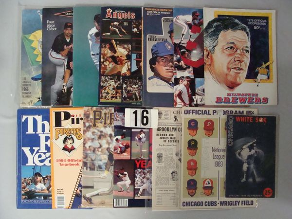 BOX OF COLLECTIBLE BASEBALL PUBLICATIONS