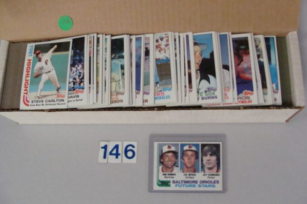 1982 TOPPS BASEBALL CARD SET #1-792,