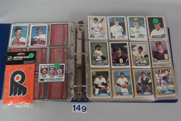 BOX OF 1980'S & 1990'S TOPPS BASEBALL CARDS