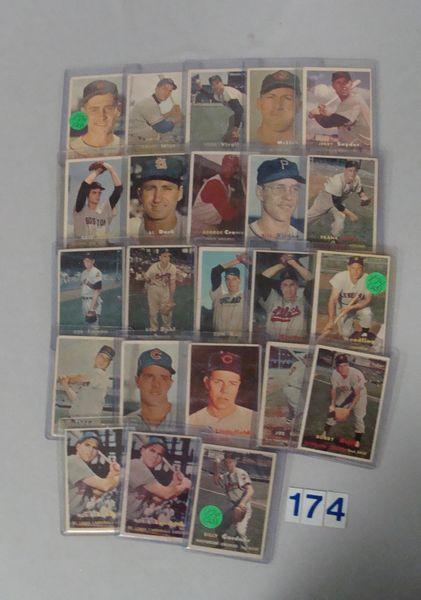 (23) 1957 TOPPS BASEBALL CARDS: #17-405,