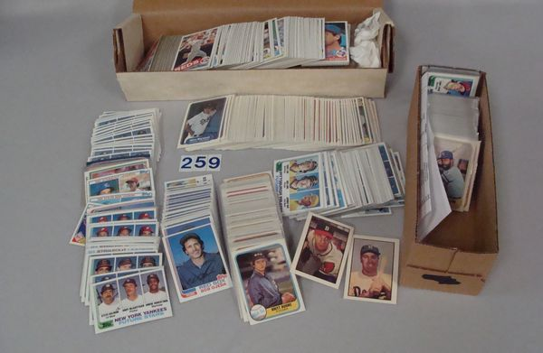 BOX OF ASSTD. 1980'S (MOSTLY) TOPPS