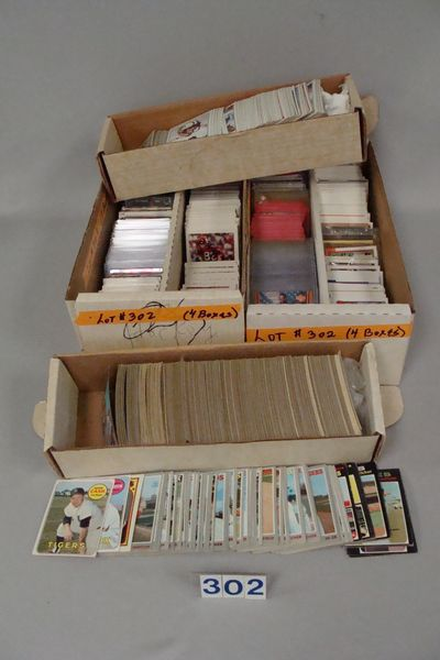 LOT: BOX OF 1960'S-1980'S BASEBALL CARDS,
