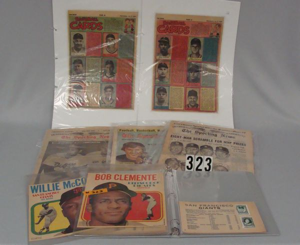 LOT: BINDER WITH 1961 & 1962 TOPPS BASEBALL