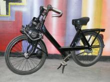 Bicycle with supporting engine