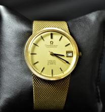Chronometer OMEGA Costellation, completely made of 18ct gold (105 g). Ø 35.5mm. In very good...