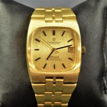 Automatic chronometer OMEGA Constellation. Completely made of 18ct Gold (139 g). In very good...
