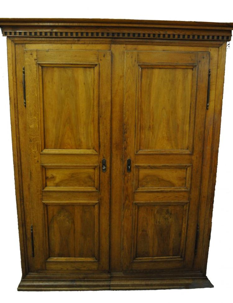 armoire louis xvi en noyer et ch ne s parable en 2 parties. Black Bedroom Furniture Sets. Home Design Ideas