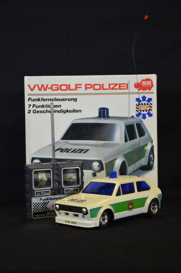 voiture t l guid e de thayo 6 fonctions vw golf polizei ve. Black Bedroom Furniture Sets. Home Design Ideas