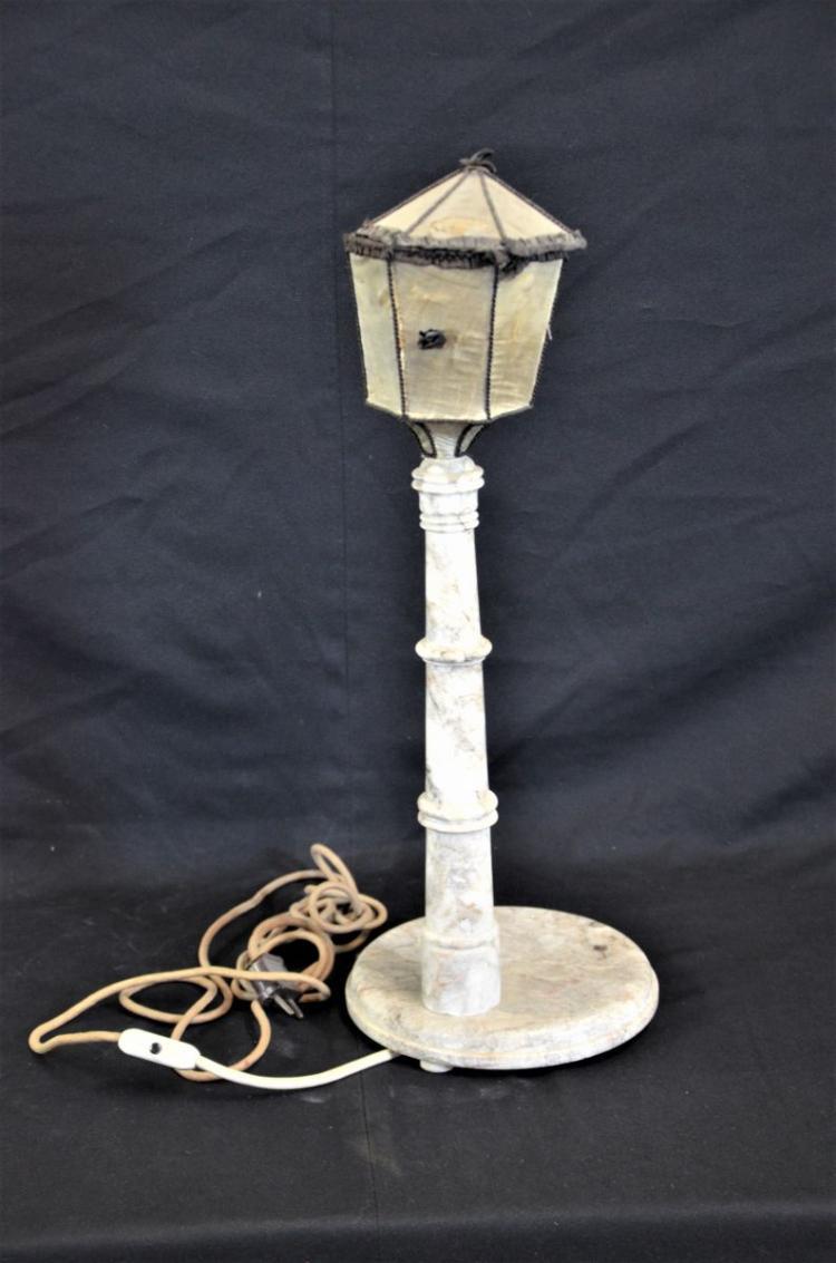 lampe en marbre forme de lanterne chapeau de lanterne en. Black Bedroom Furniture Sets. Home Design Ideas