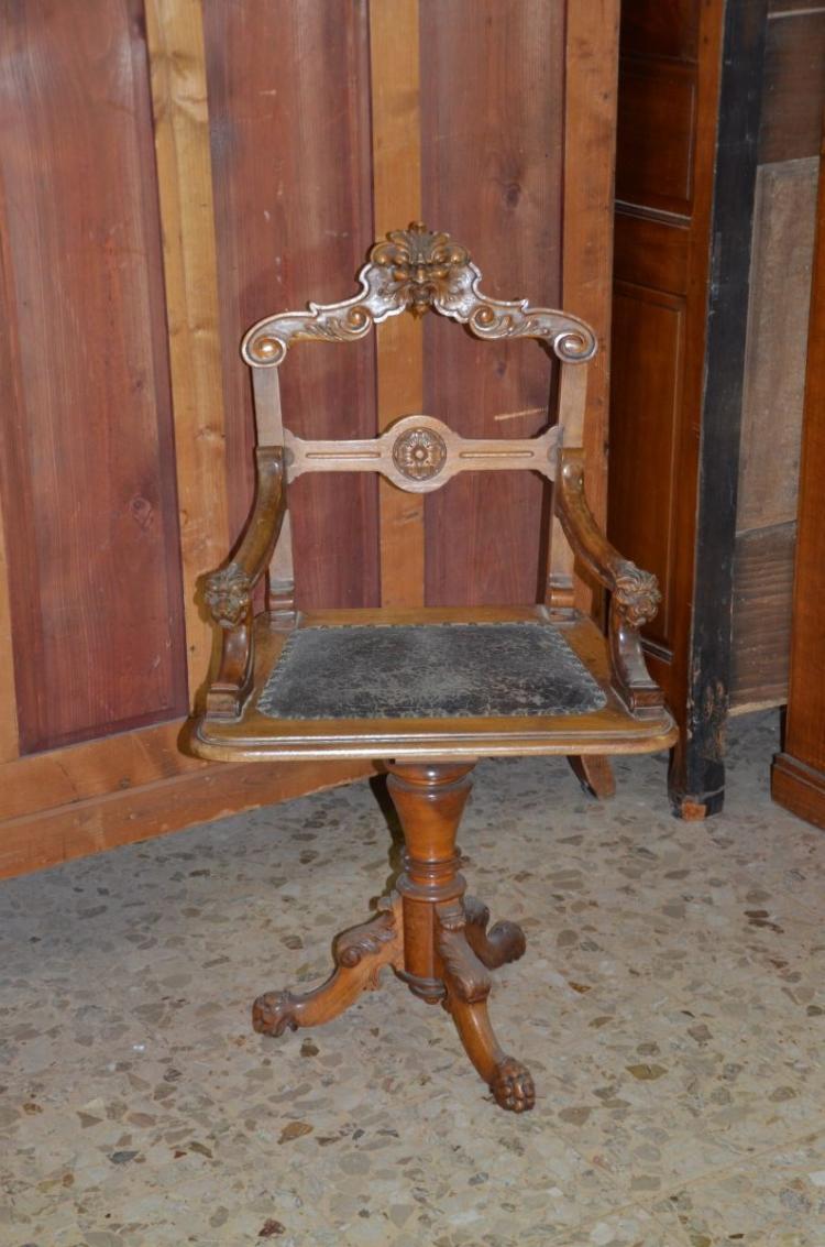 chaise tournante de bureau en noyer sculpt 233 plac 233 en cuir