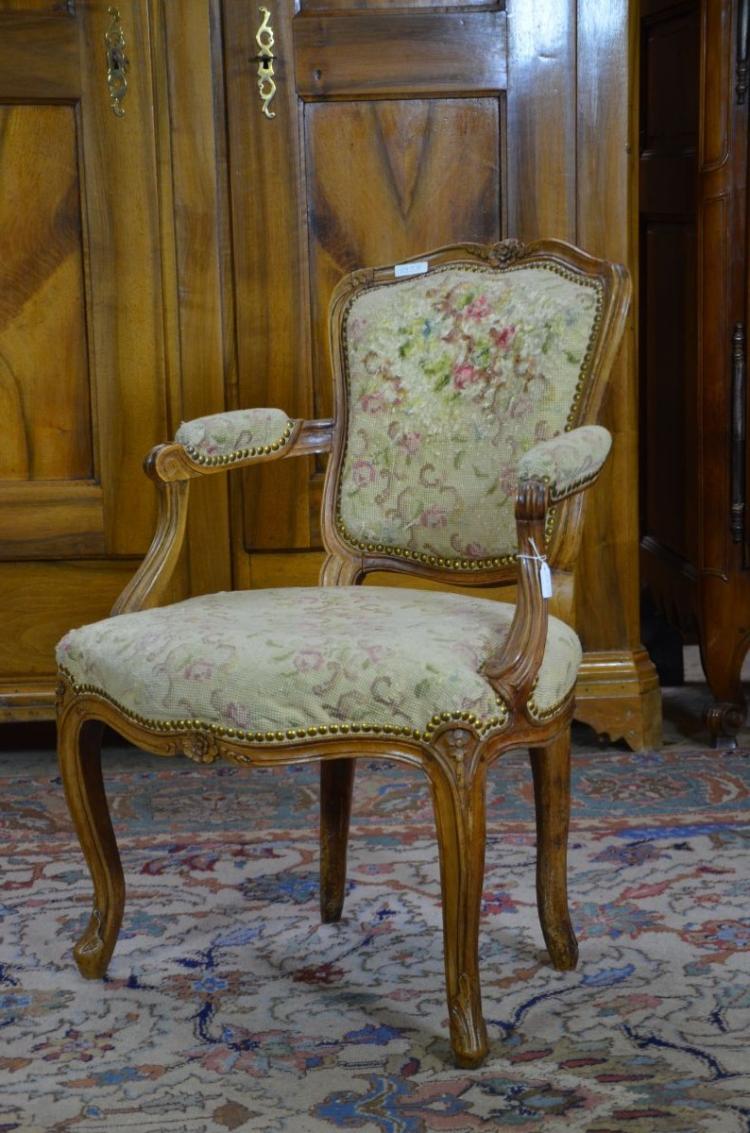petit fauteuil louis xv d 233 poque tissu gobelin tissu l 233 g 232 r
