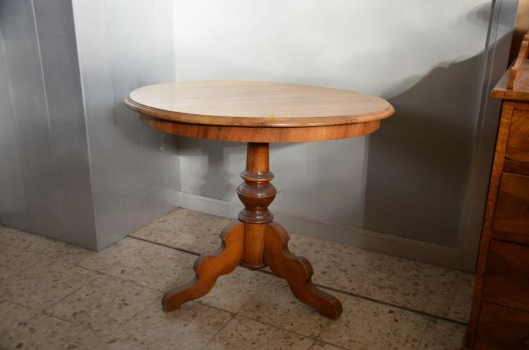Table ronde noyer pied central 87cm - Table ronde pied tulipe ...