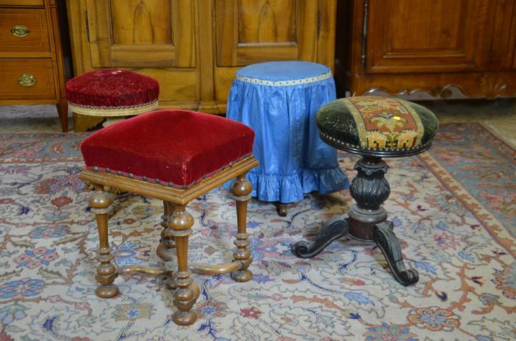 4 tabourets de piano. Black Bedroom Furniture Sets. Home Design Ideas