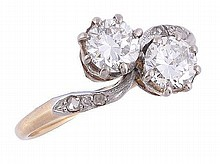A diamond crossover ring, the two principal