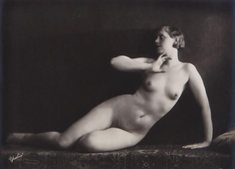 Mandel (Julian) - Three Nudes