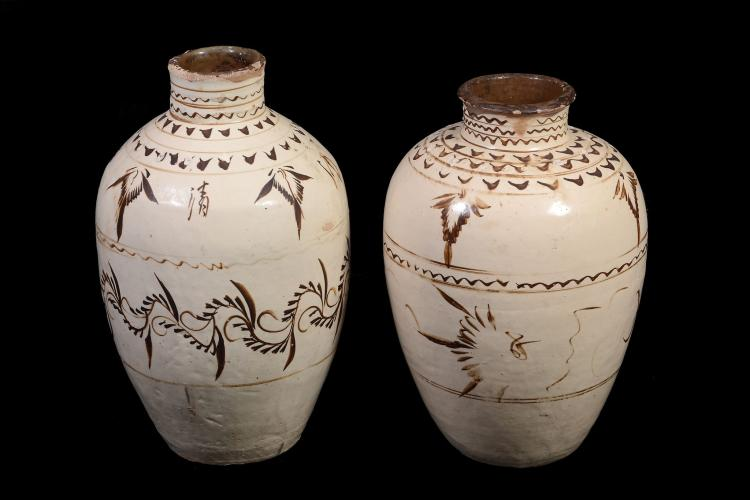 Two Chinese large Cizhou storage jars, Ming dynasty, 16th/17th Century or later
