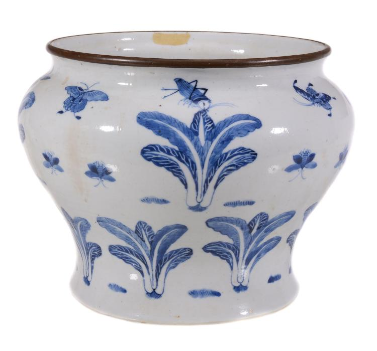 An unusual Chinese blue and white vase, probably late18th or 19th century