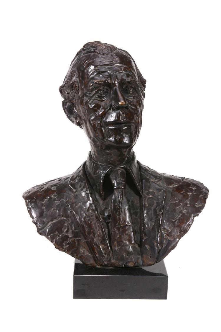 Shenda Amery, MRBS, a bronze bust of a gentleman