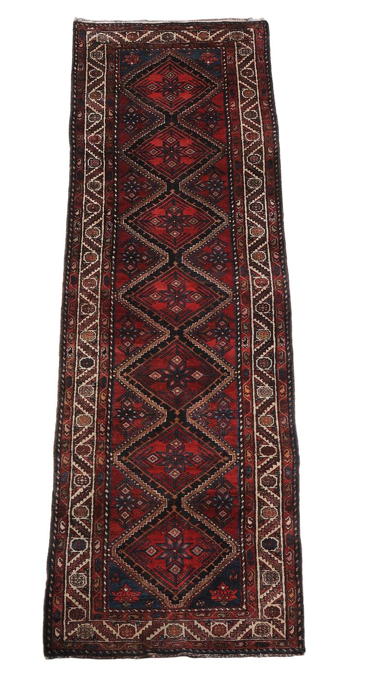 A Sarab runner, approximately 400 x 110cm