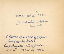 Autograph Album - incl. J. Nehru - Autograph album with signatures by international political leaders...