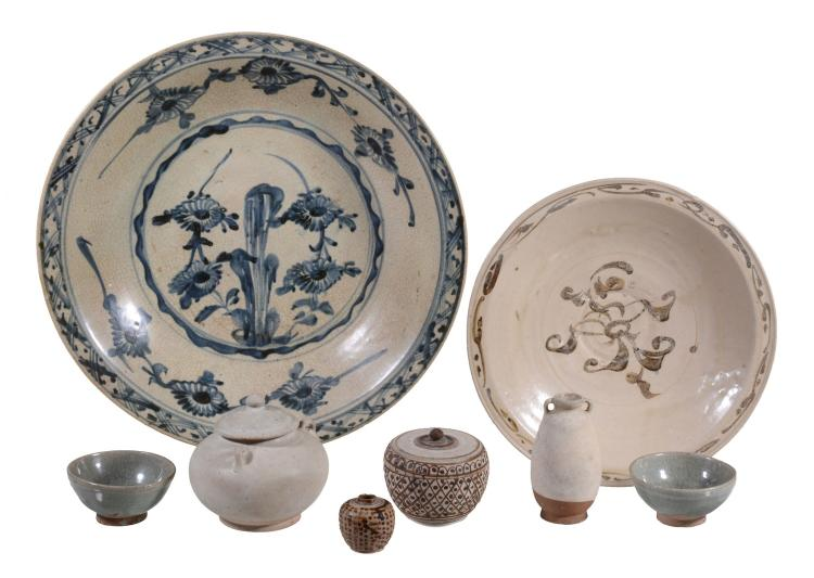 A group of Swanankhalok wares and a large Swatow charger , 14th-17th centuries