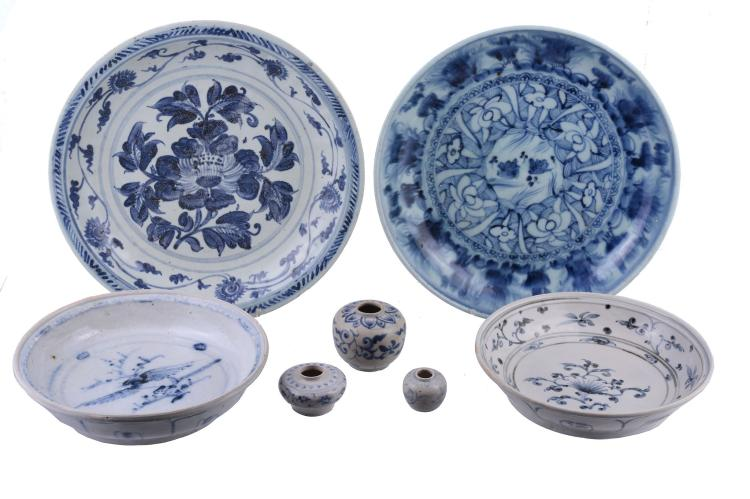 Two Hoi An Hoard blue and white dishes, Vietnam, late 15th/early 16th century