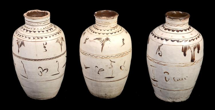 Three Chinese large Cizhou storage jars, Ming dynasty