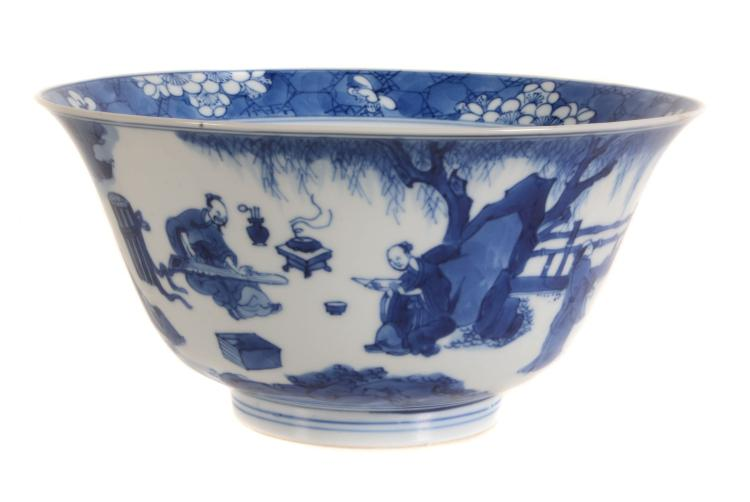 An attractive Chinese blue and white bowl , Kangxi