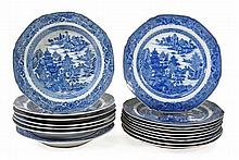 A collection of sixteen Chinese Export blue and