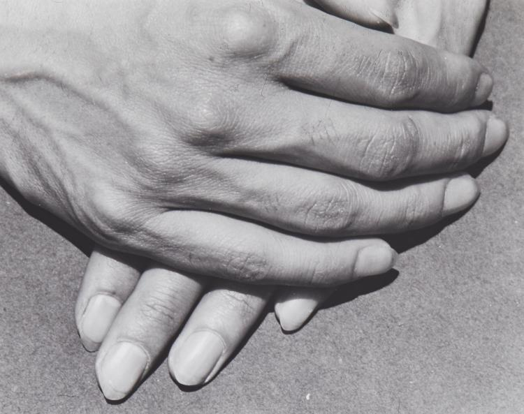 Manuel Alvarez Bravo (1902-2002) - Tamayo's Hands, 1931