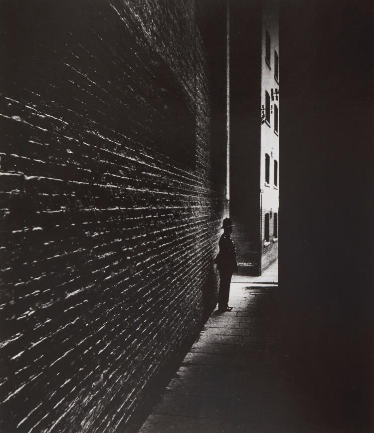 Bill Brandt (1904-1983) - Bermondsey, 1938