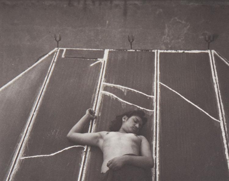 Manuel Alvarez Bravo (1902-2002) - Sparrow, 1938