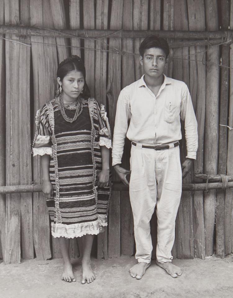 Manuel Alvarez Bravo (1902-2002) - Couple, ca.1940