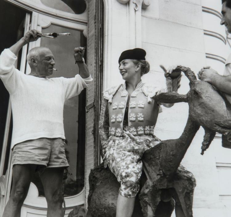 Jacques Henri Lartigue (1894-1986) - Picasso, Cannes, 1955