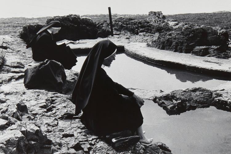 Tony Ray-Jones (1941-1972) - Nuns at Weston Super-Mare, 1967