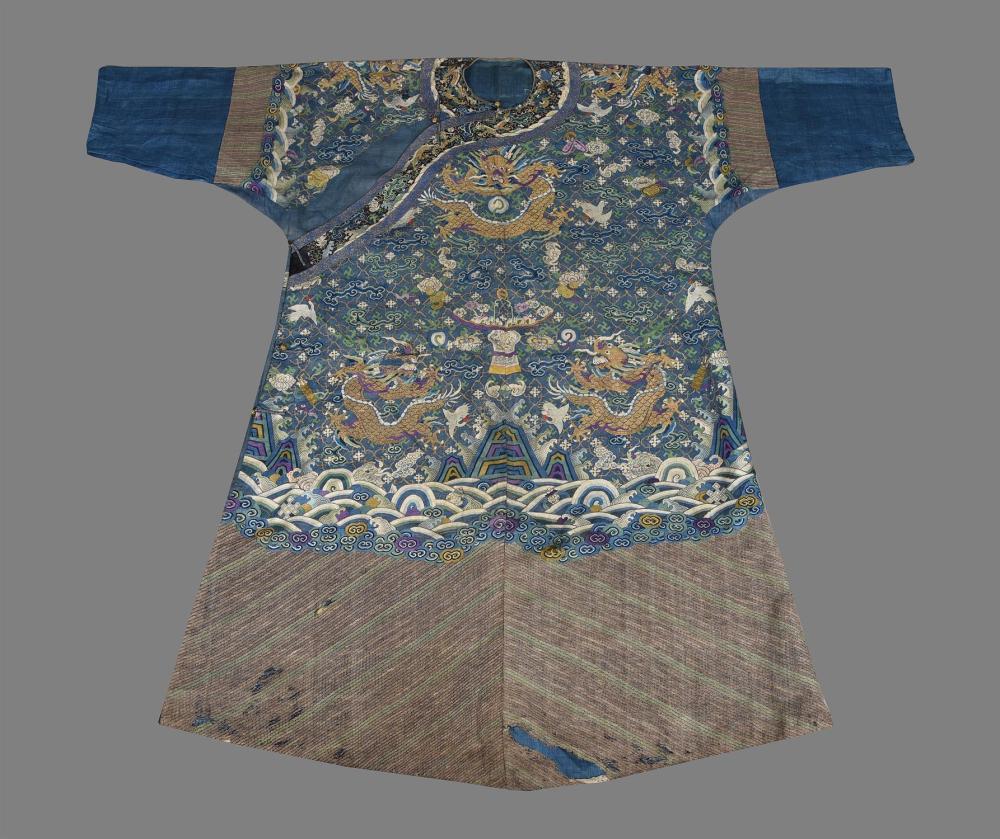 A Chinese kesi weave 'dragon' robe