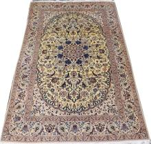 NAIN FLORAL WITH CENTER MEDALLION ORIENTAL RUG