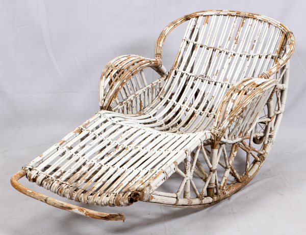 Antique wicker chaise lounge early 20th c for Antique wicker chaise